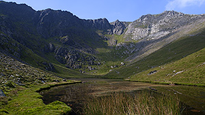 Ffynnon Caseg & mountain cirque at the cwm head
